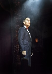 The Entertainer (Kenneth Branagh Theatre Company) - Kenneth Branagh (Archie Rice) Credit Johan Persson 00105