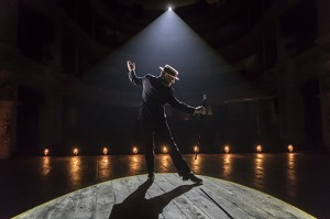 The Entertainer (Kenneth Branagh Theatre Company) - Kenneth Branagh (Archie Rice) Credit Johan Persson 00497