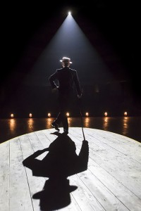 The Entertainer (Kenneth Branagh Theatre Company) - Kenneth Branagh (Archie Rice) Credit Johan Persson 00511