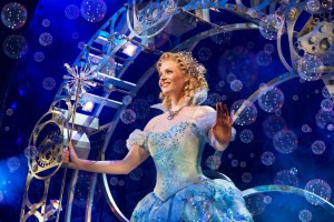 Wicked UK International Tour Carly Anderson (Glinda) Photo Matt Crockett 7843