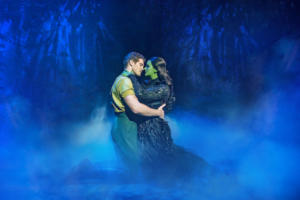 Alistair Brammer (Fiyero) and Nikki Bentley (Elphaba) Photo By Matt Crockett 8583 RT