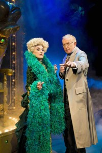 Anita Dobson (Madame Morrible) & Mark Curry (The Wizard) Photo By Matt Crockett 4733 RT sm